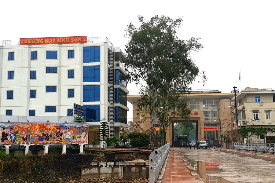 Khách sạn Bình Sơn