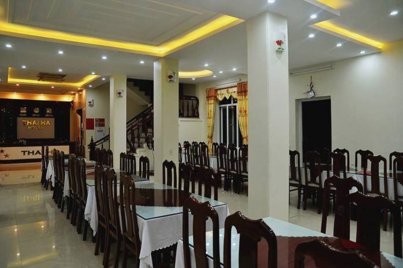 Phòng ăn tại khách sạn Thái Hà Cô Tô