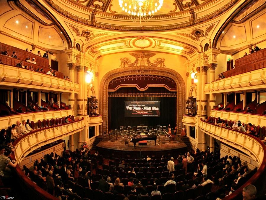 Không gian Nhà hát lớn Hà Nội