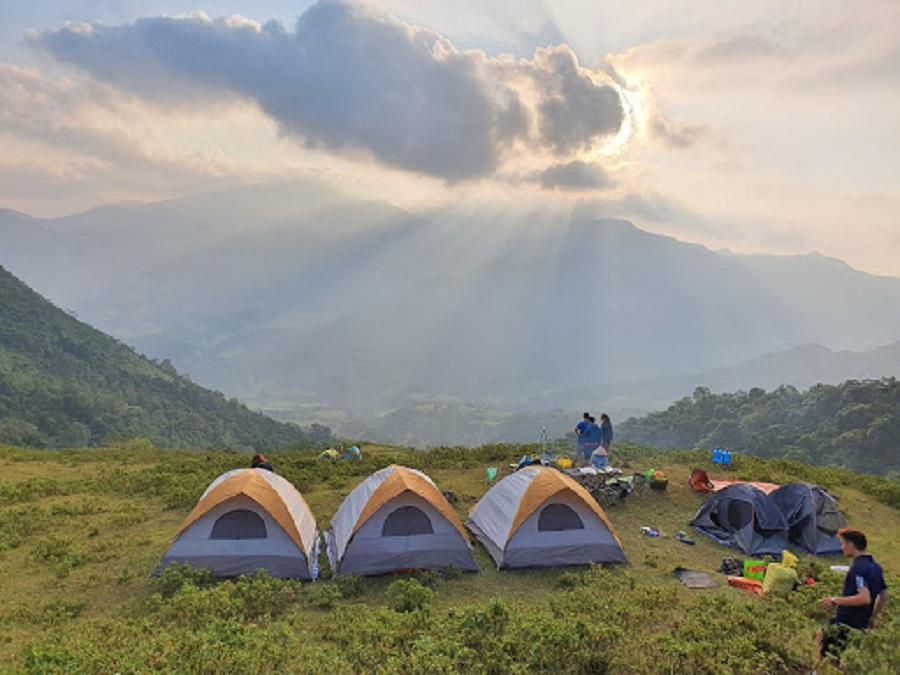 Cắm lều tại Bình Liêu