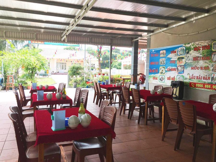 Nhà hàng nhà nghỉ Huy Hùng