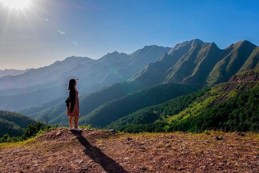 Núi non chụp từ Bình Liêu