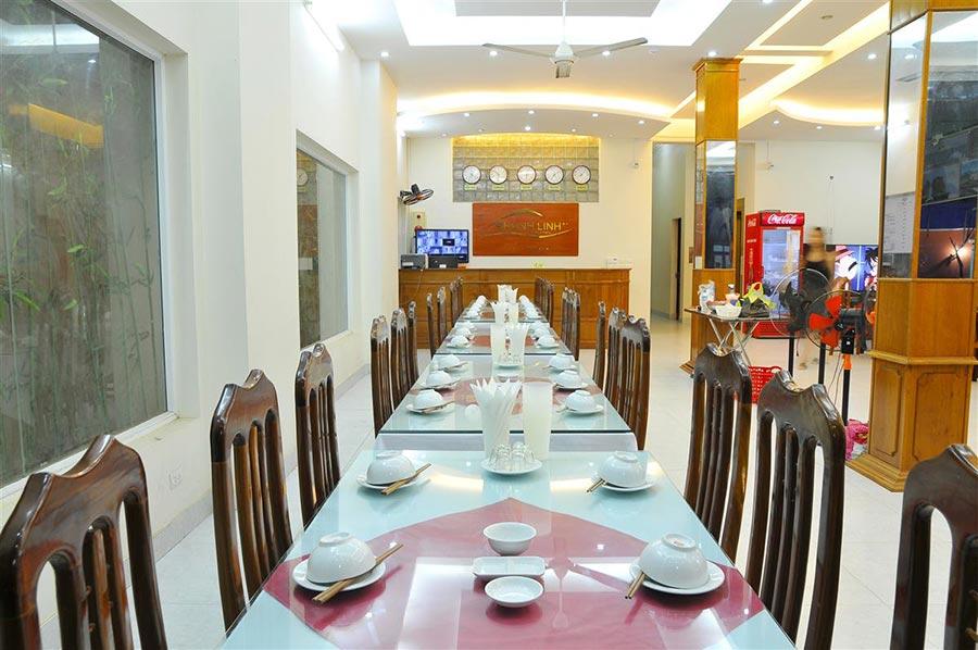 Nhà ăn sang trọng với menu phong phú, hấp dẫn tại khách sạn