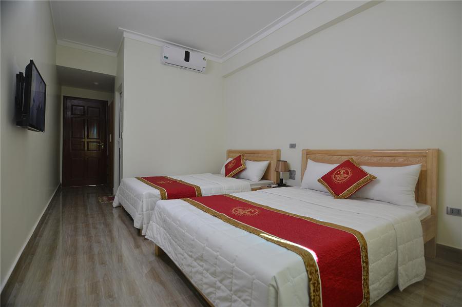 Phòng Tùng Thanh Hotel