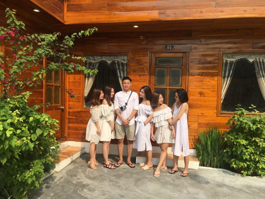 Nhóm bạn ở khách sạn Thanh Thú