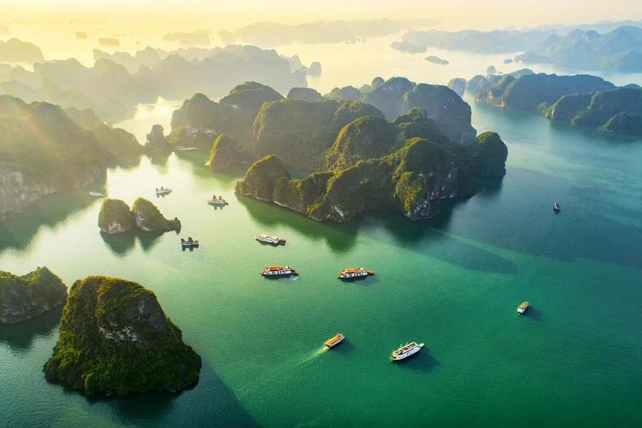 Toàn cảnh Vịnh Hạ Long từ trên cao