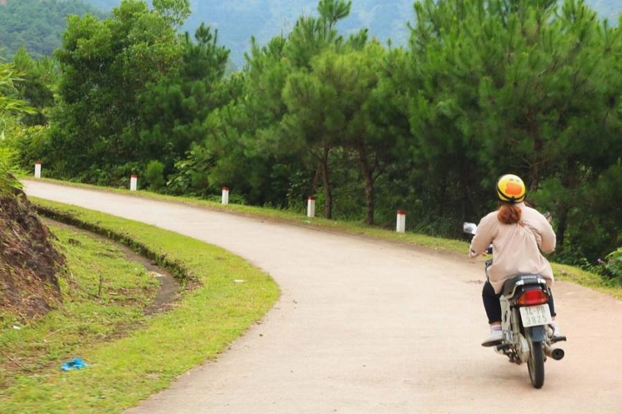 Xe máy tới thị trấn Bình Liêu