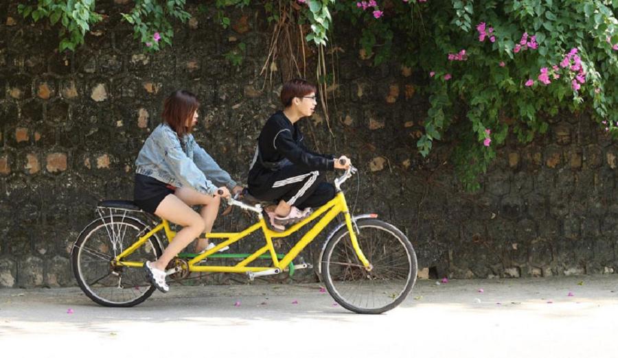 Đạp xe đôi để khám phá, ngắm cảnh Đồ Sơn