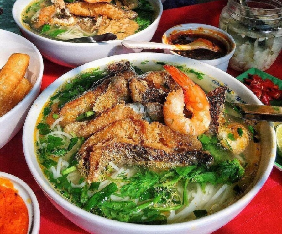 Xuýt xoa với món bún hải sản tươi rói thơm ngon