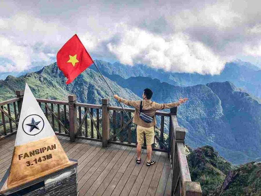 Chinh phục đỉnh Fansipan được mệnh danh là