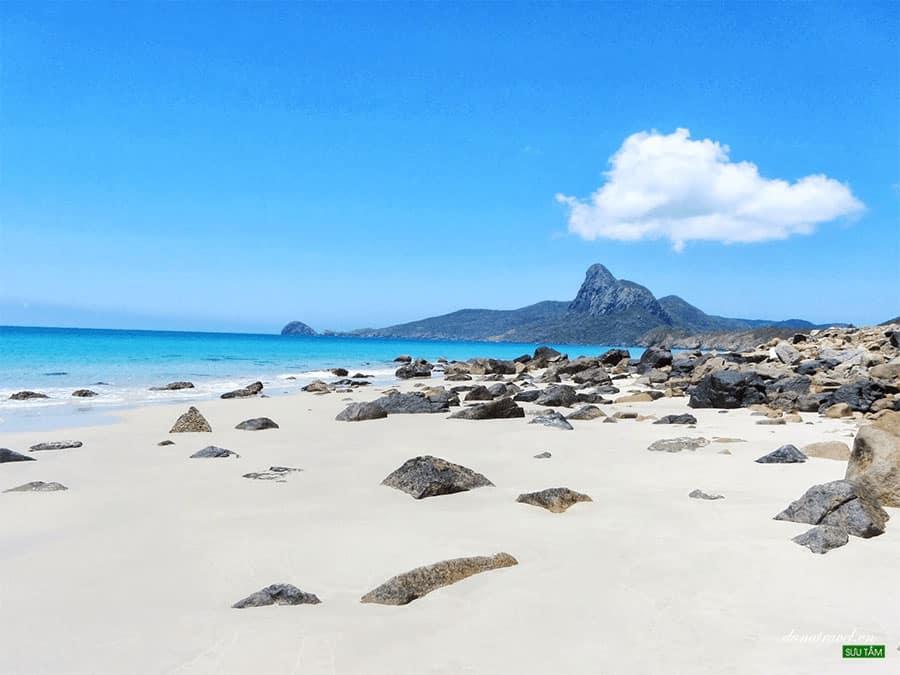 Đảo Cô Tô vẫn giữ trong mình vẻ đẹp thiên nhiên thơ mộng, hoang sơ