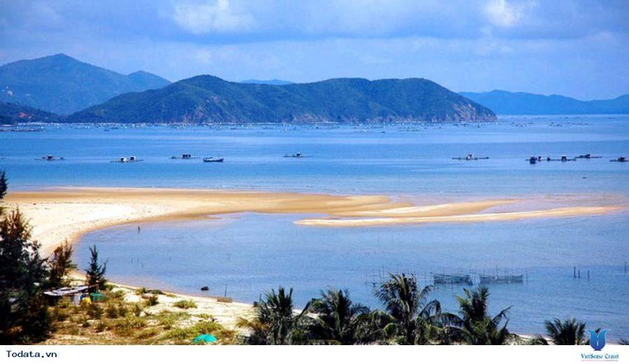 Cứ độ mùa hè về, Đồ Sơn hiện lên như một bức tranh sơn thủy hữu tình tuyệt đẹp