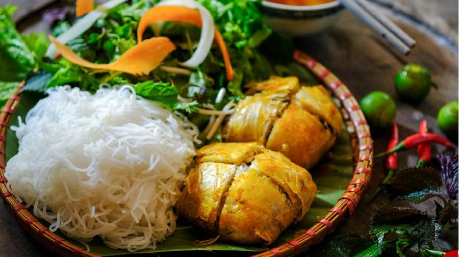 Nem cua bể Đồ Sơn được đánh giá là món ăn nhất định phải thử và mang về