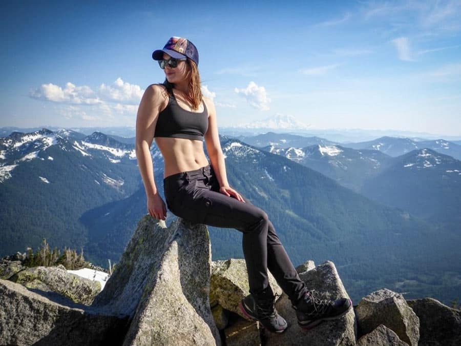 Quần legging cạp cao thuận tiện để di chuyển ở vùng núi cao