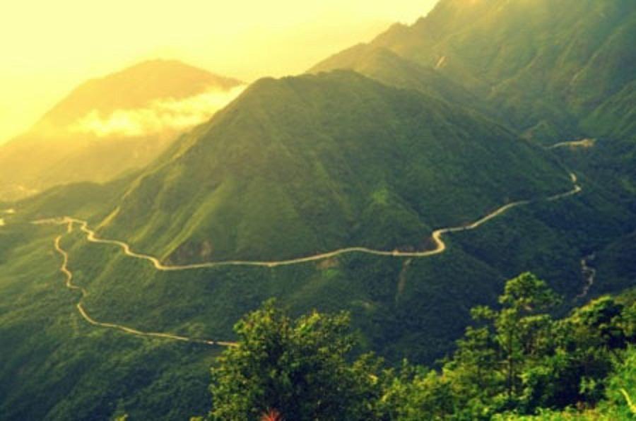 đèo Khau Phạ giữa những dãy núi điệp trùng