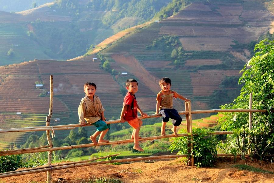 Những em nhỏ vùng cao tại bản Thái