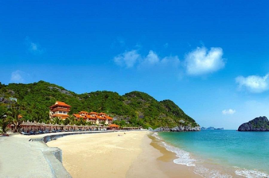 Đồ Sơn - Hải Phòng nổi tiếng với những bãi tắm đẹp