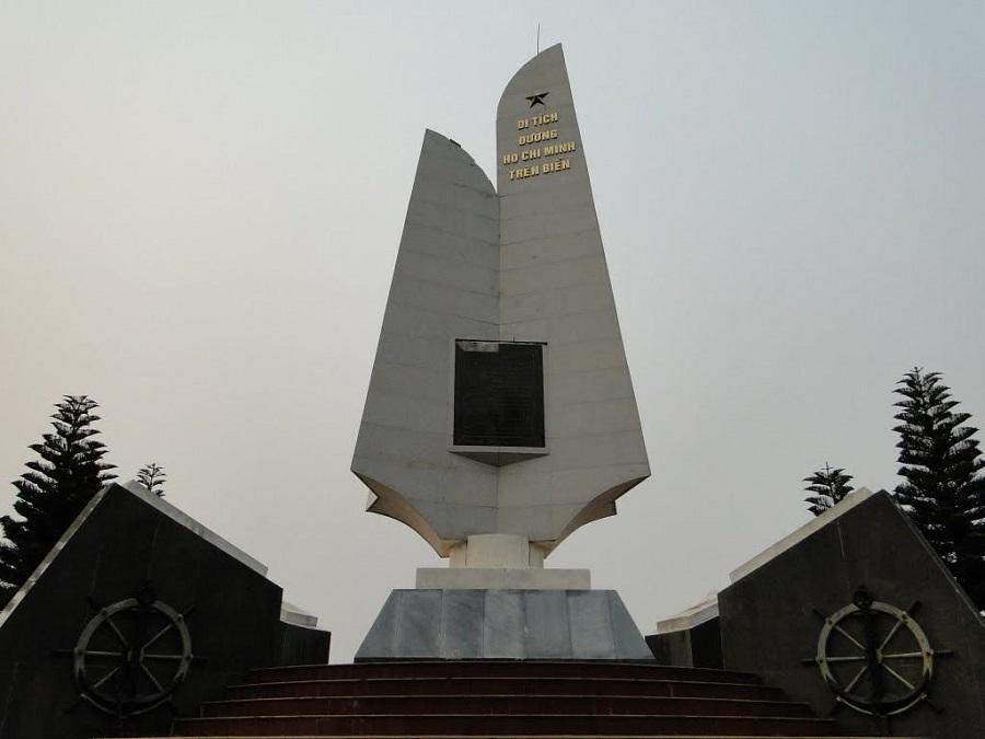Di tích lịch sử bến tàu không số bên bờ biển Đồ Sơn