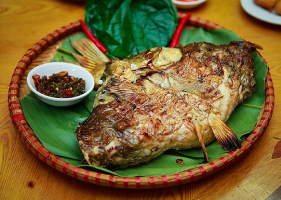 cá suối nướng pa pỉnh tộp nổi tiếng như một món ăn đặc trưng của vùng Mù Cang Chải