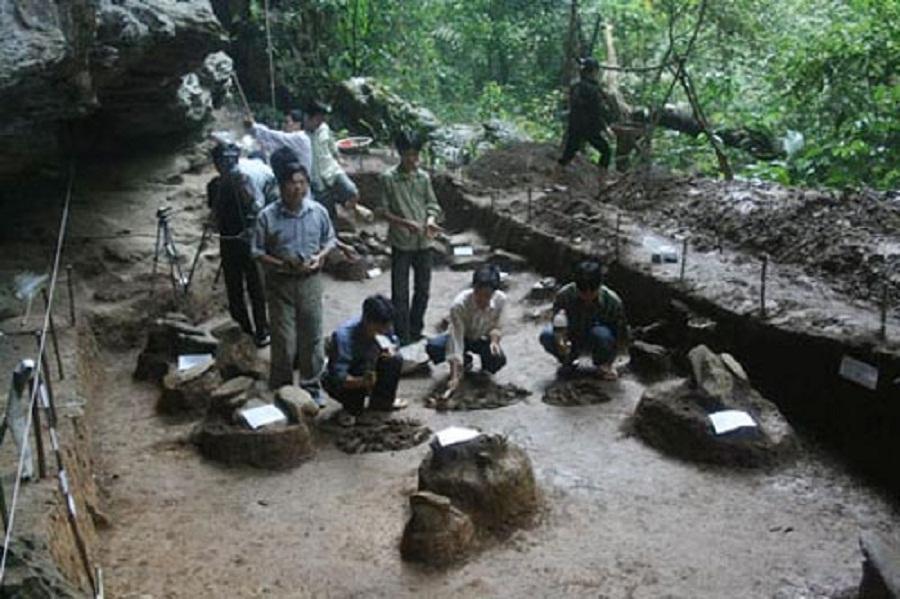 Di chỉ khảo cổ hang Phia Muôn
