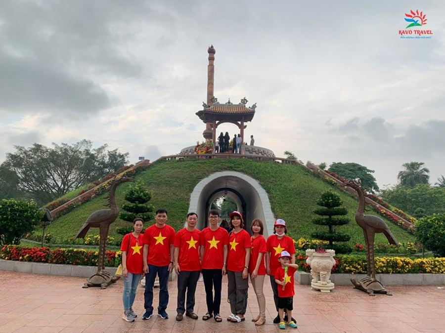 Gia đình chị Vân Anh tham quan Thành cổ Quảng Trị