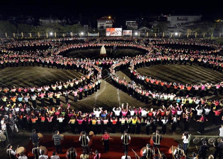 Lễ hội ruộng bậc thang Mù Cang Chải nằm trong Tuần văn hóa - Du lịch Mường Lò