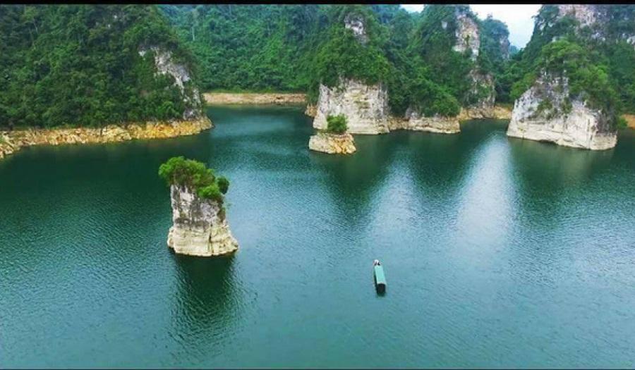 Hình ảnh Hồ Na Hang tĩnh lặng vào mùa Đông