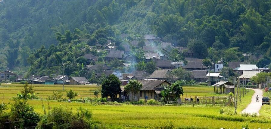 những ngôi nhà nhỏ bình yên tại bản Thái