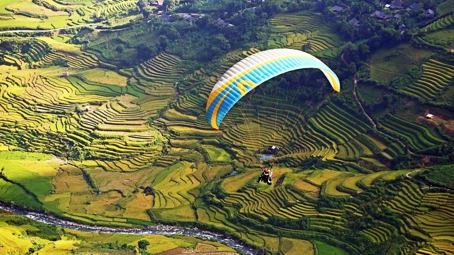 Nhảy dù tại đèo Khau Phạ