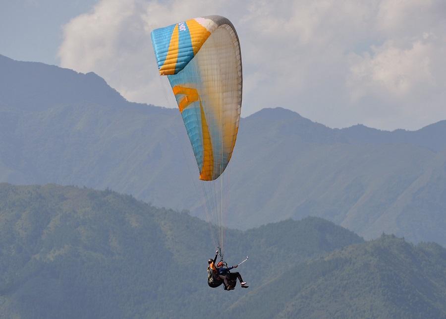 Nhảy dù là hoạt động được yêu thích ở Mù Cang Chải