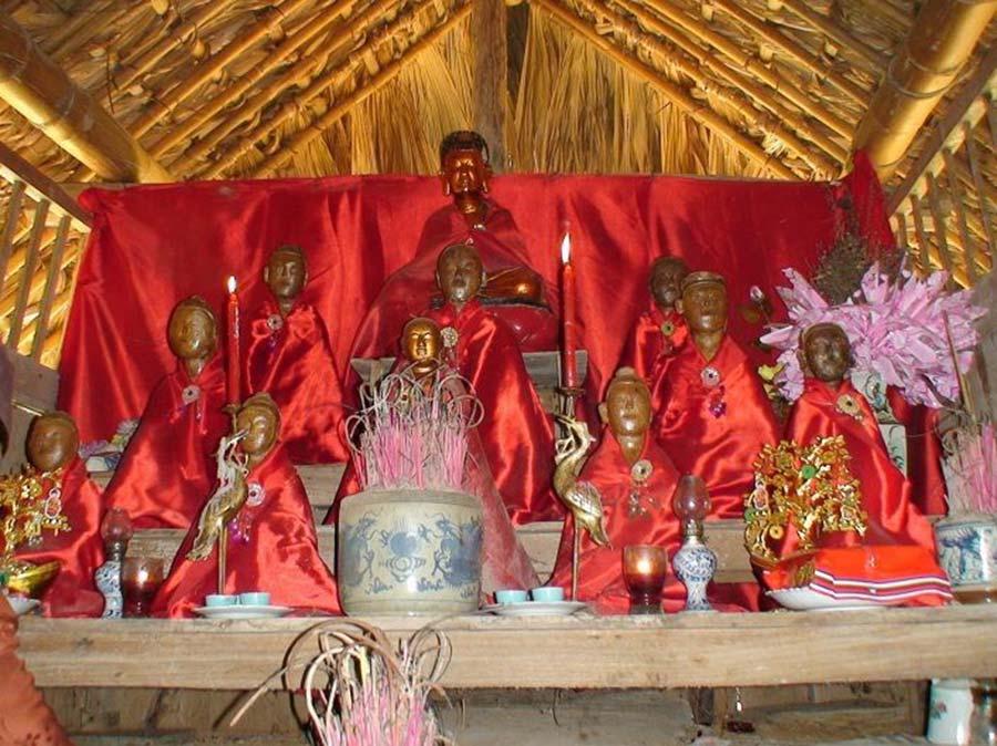 Tượng gỗ tại Chùa Phúc Lâm có niên đại lịch sử lâu đời