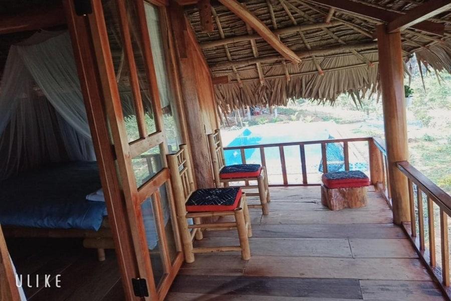 Bungalow có ban công để du khách có thể thỏa sức ngắm cảnh