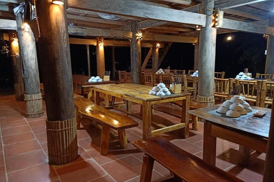 Khu vực nhà hàng của homestay Pu Luong Discovery