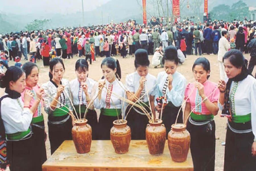Rượu cần - nét đẹp trong văn hóa tinh thần của đồng bào Thái