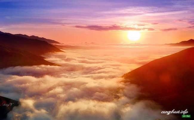 Biển mây tuyệt đẹp ở Tà Xùa