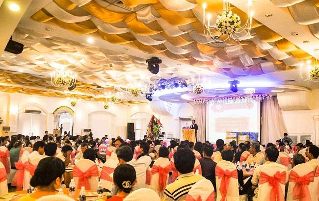 Có 4 hình thức tổ chức của du lịch MICE là gặp gỡ, khen thưởng, hội nghị và sự kiện