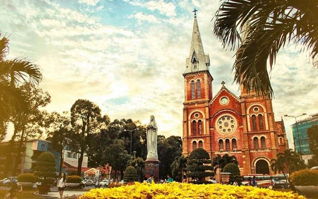 Những ngày mùa khô là thời điểm lý tưởng để du lịch Sài Gòn