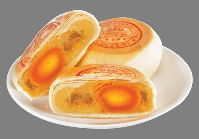 Bánh Pía là sự kết hợp hài hòa với trái cây miệt vườn