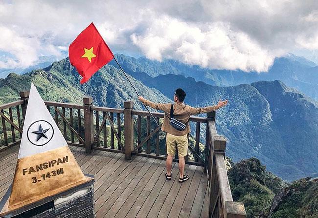 Chinh phục đỉnh Fanxipan hùng vĩ, bao la