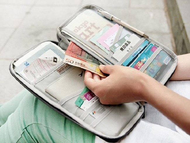 Chuẩn bị đầy đủ các giấy tờ cần thiết cho chuyến đi an toàn