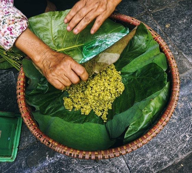 Cốm là thức quà độc đáo của người dân Hà Thành