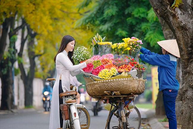 Hà Nội gắn liền với 12 mùa hoa tươi đẹp
