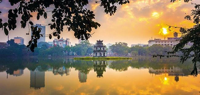 Khung cảnh thơ mộng của Hồ Gương đẹp tựa bức tranh
