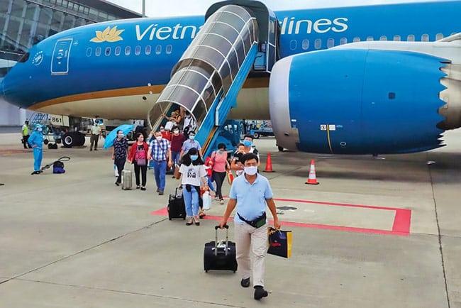 Máy bay là phương tiện di chuyển nhanh nhất để đến Hà Nội