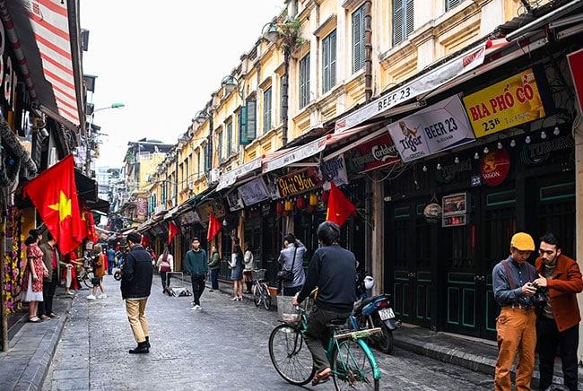 Không gian phố cổ Hà Nội mang đến vẻ đẹp xưa cũ, hoài niệm