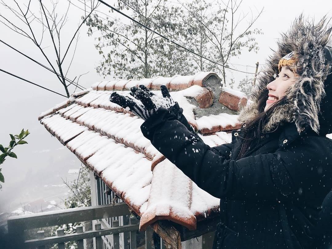 Mùa đông Sapa rất lạnh, do đó du khách nhớ mang đày đủ quần áo ấm